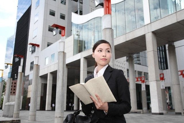 女性上司は会社でやさしいより威張った方が4倍評価が高い!? ミュンヘン