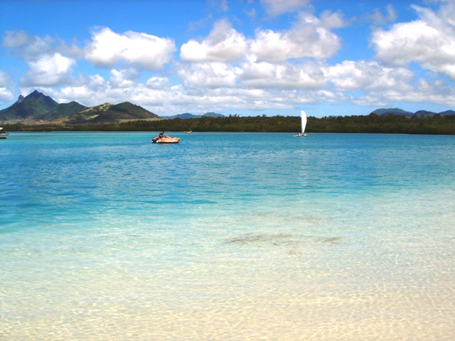 モーリシャス 南インド洋に浮かぶモーリシャス。日本人にはあまりなじみのな... 冬の海外旅行はこ